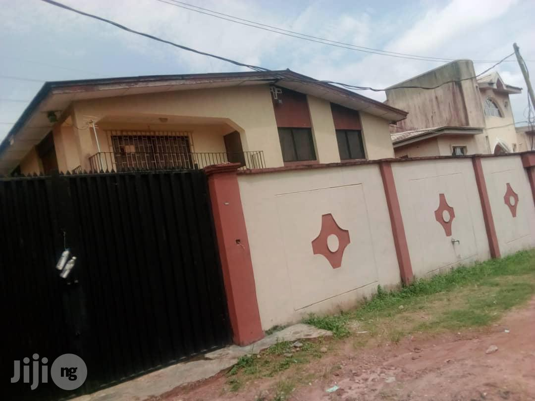 Cheap And Clean 3 Bedroom Flat For Rent