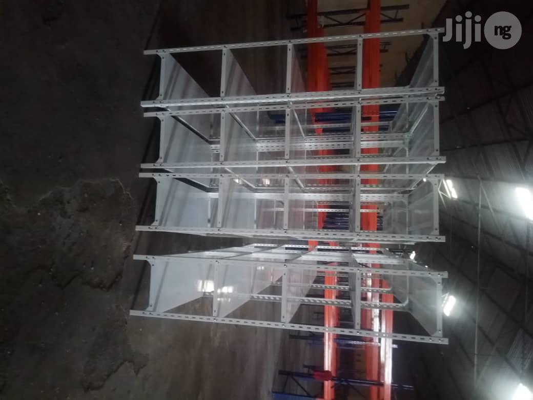 New High Quality Angle Slotted Racks With 5 Pans For Display