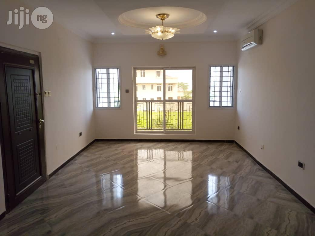 Archive: Serviced 3nos Of Luxury 3 Bedroom Flat At Banana Island
