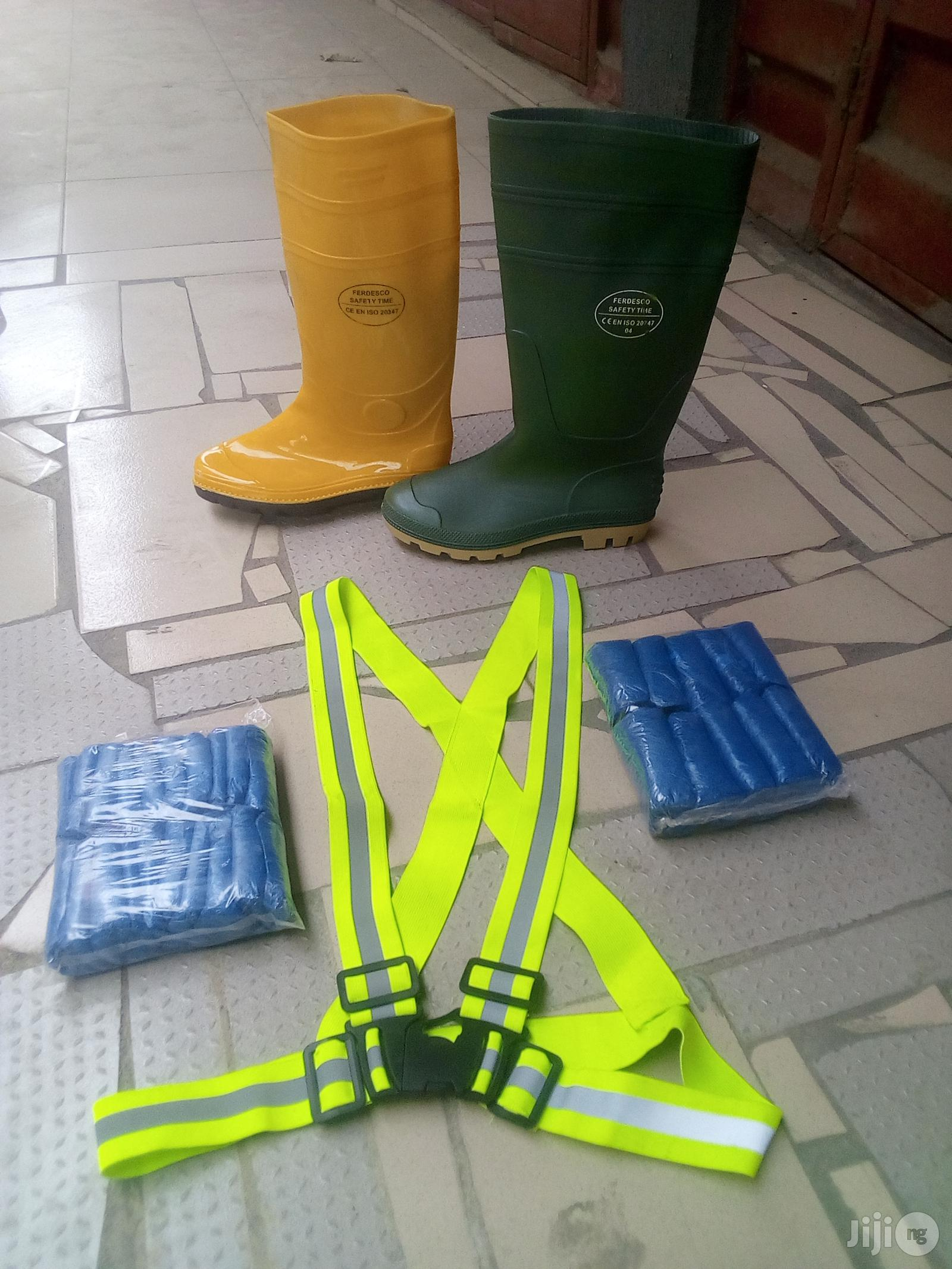Safety Rainboot & Raincoat & Shoe Cover & Sign.