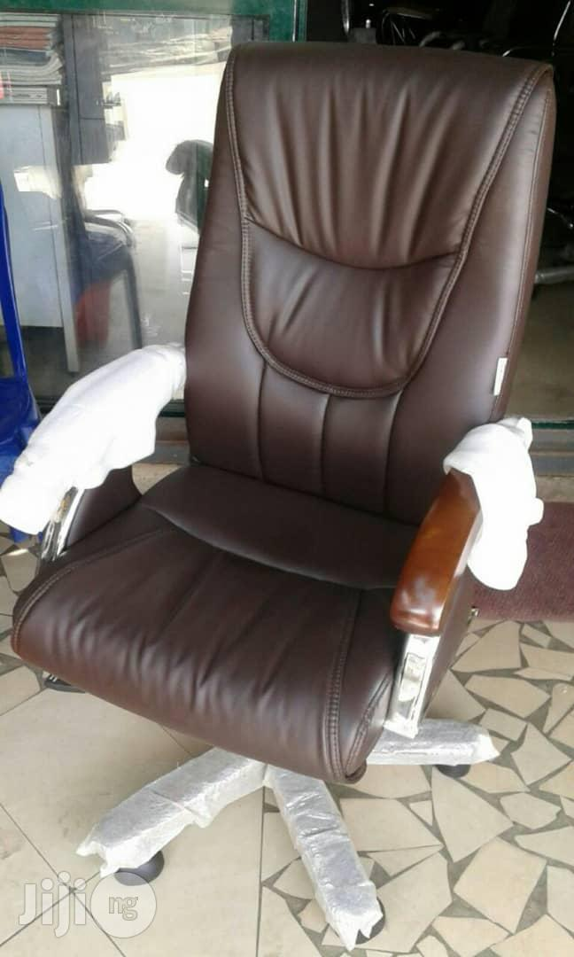 Quality Executive Office Chair and Table