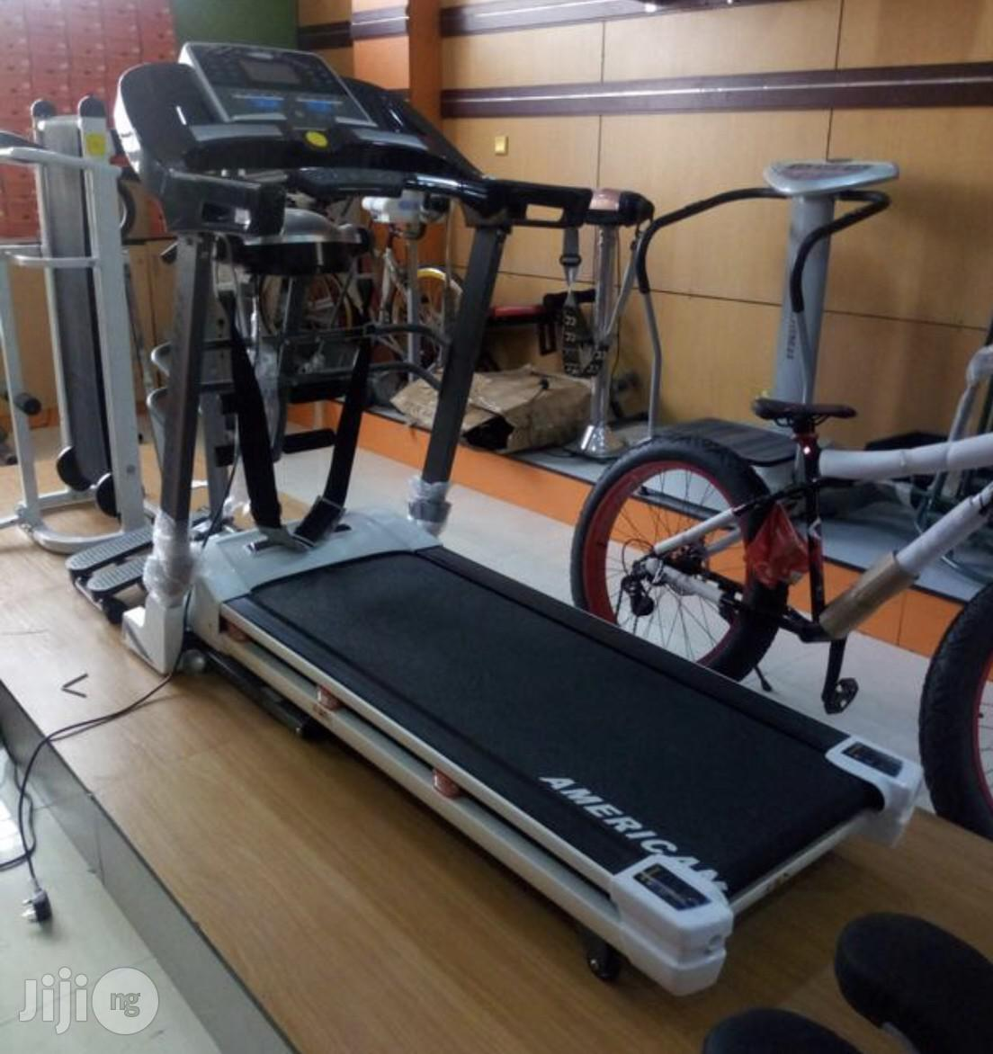 New 2.5hp Treadmill With Massager