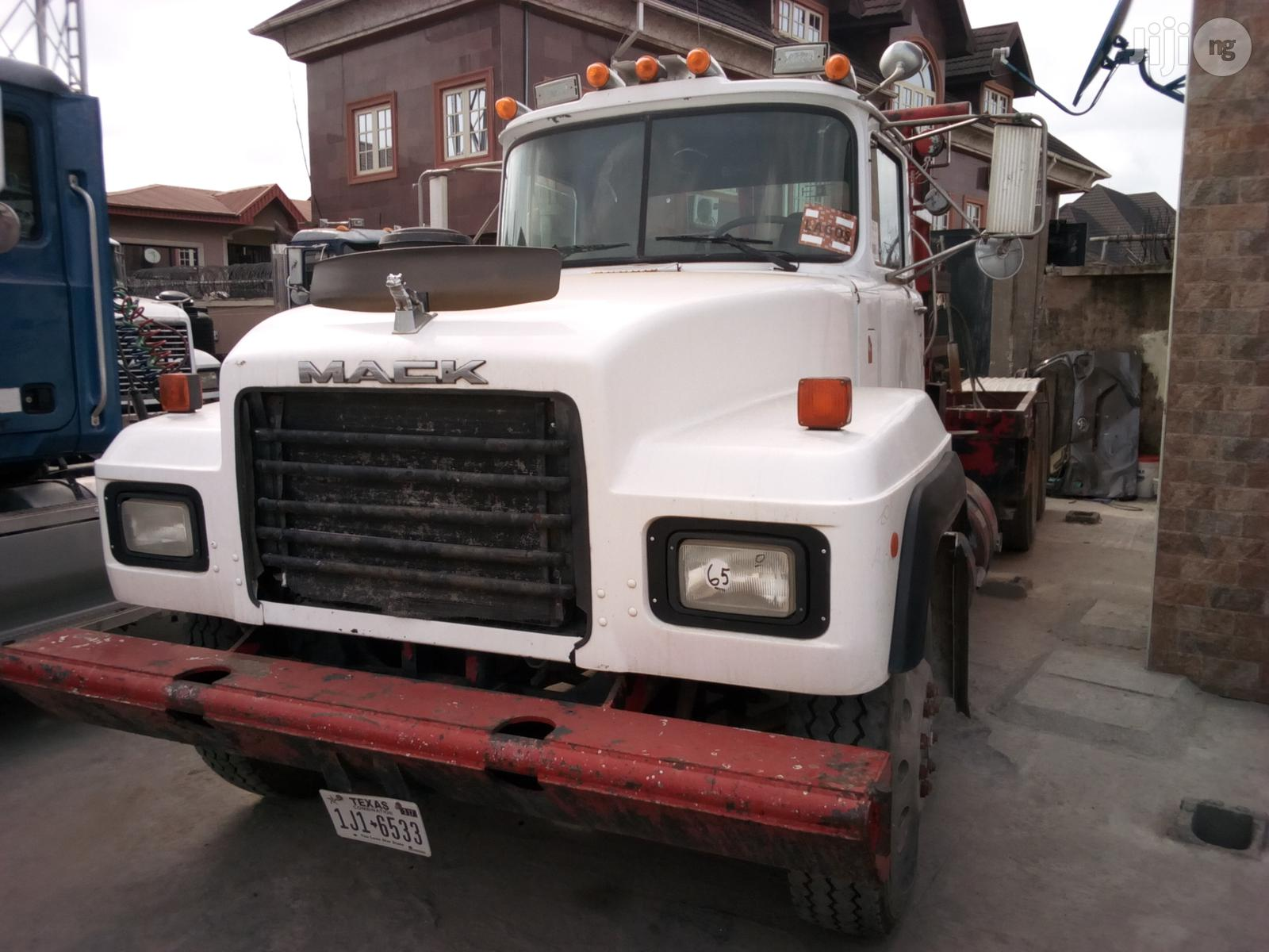 Mack RD Model Tractor Head 1988   Heavy Equipment for sale in Apapa, Lagos State, Nigeria