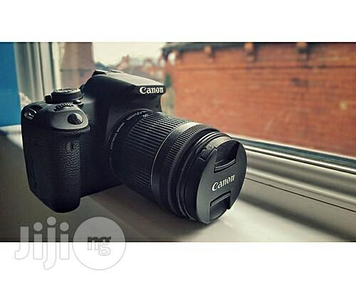 Canon 700d+18-55mm+75-300mm Lens.
