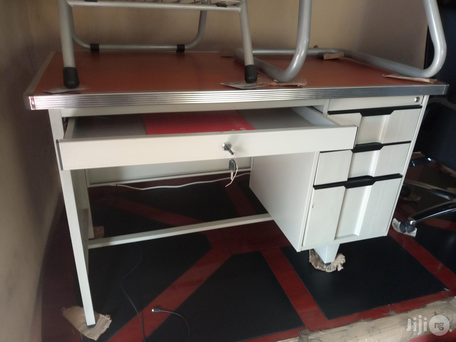 Quality Classy Executive Metal Office Table