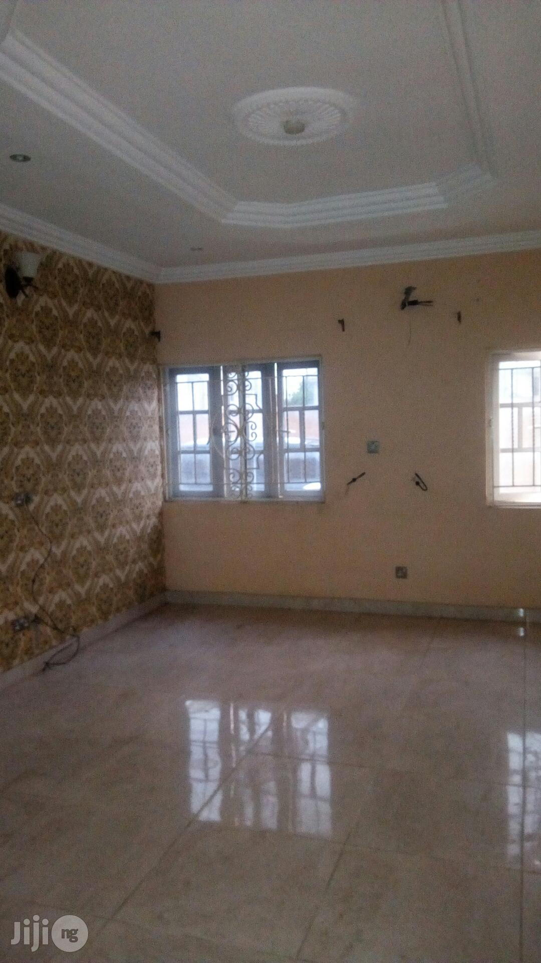 Archive: Clean 3 Bedroom Flat at Greenfield Estate Ago Palace Way For Rent.