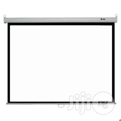 72/72 Manual Projection Screen