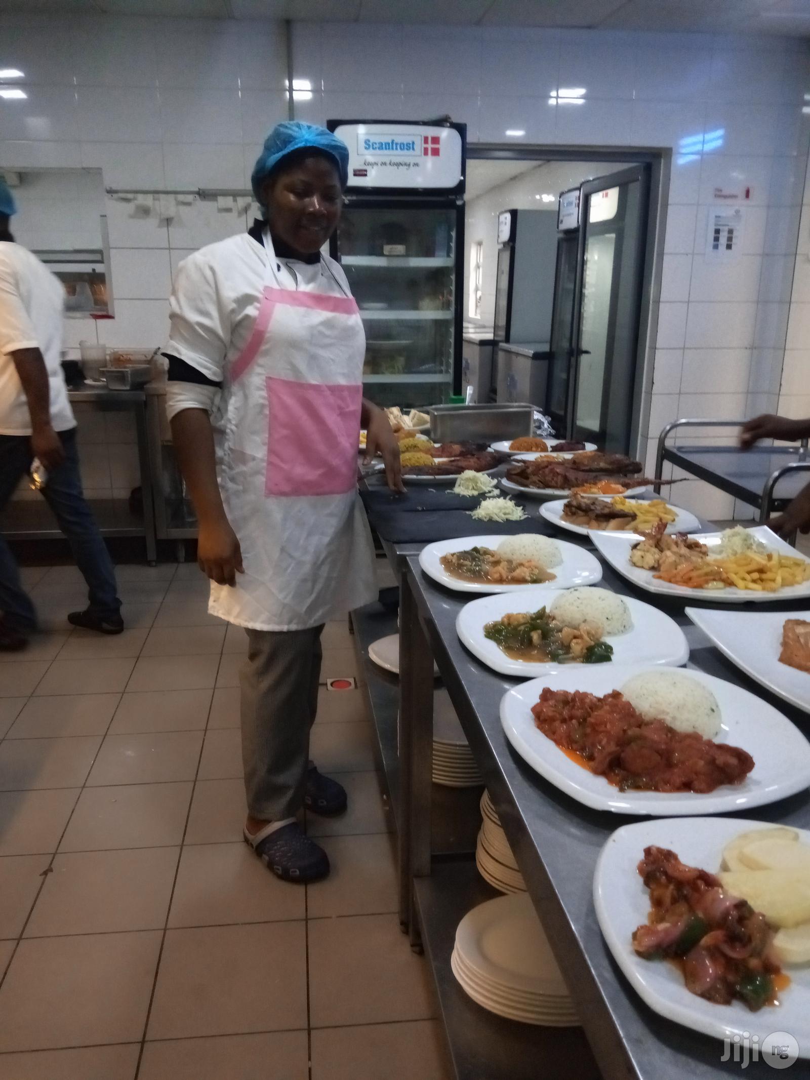 Hotel Staff In Surulere   Restaurant & Bar CVs for sale in Obanliku, Cross River State, Nigeria
