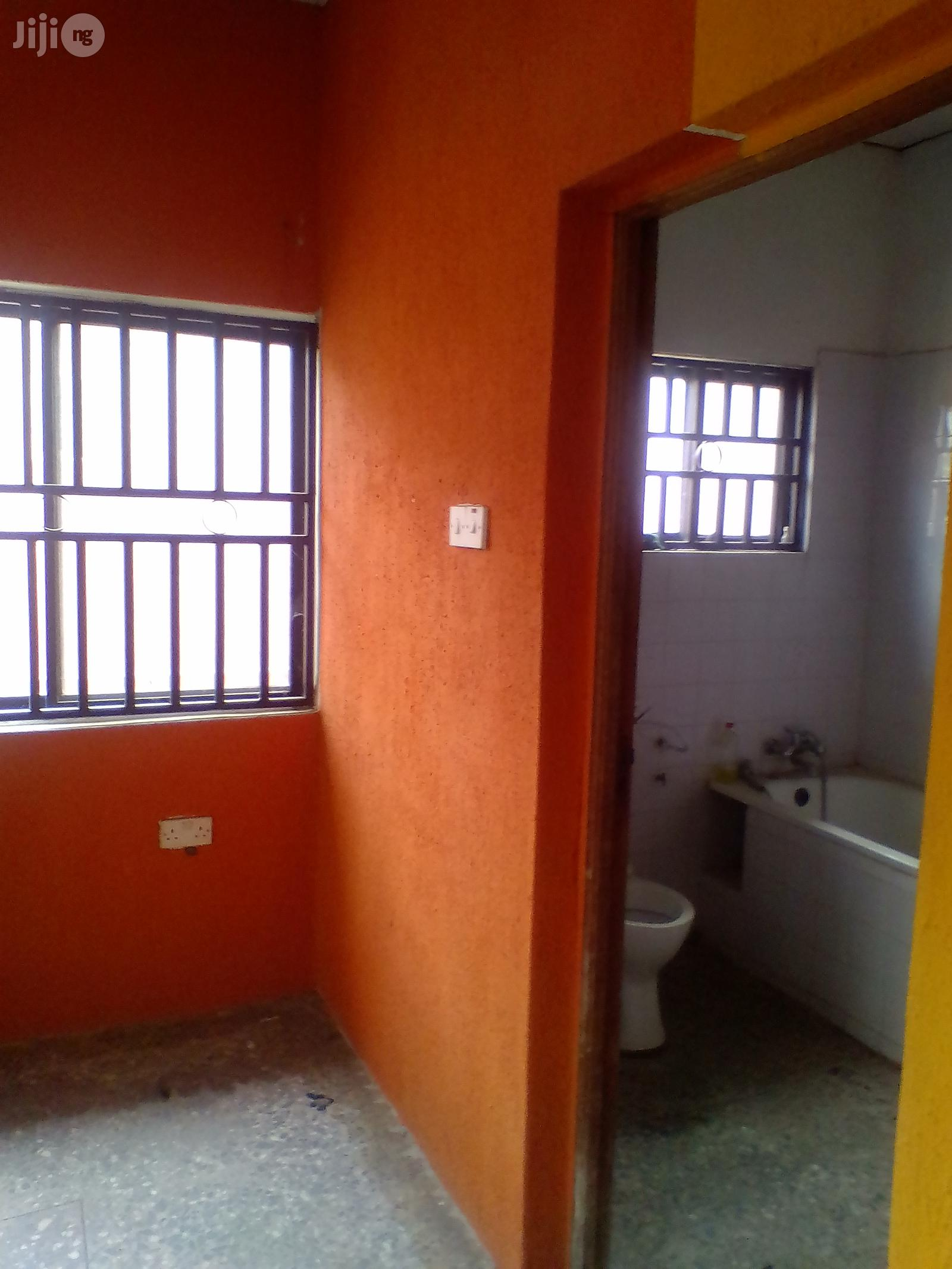 2 Bedroom Apartment at Bucknor for Rent. | Houses & Apartments For Rent for sale in Isolo, Lagos State, Nigeria