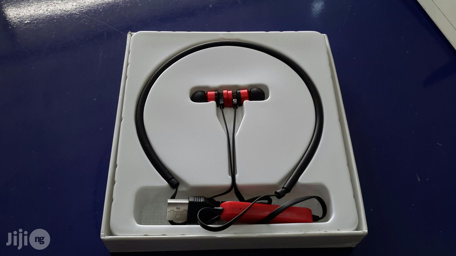 Archive: Metal Wireless Earphone For Tablet , Phone For Android , iPhone