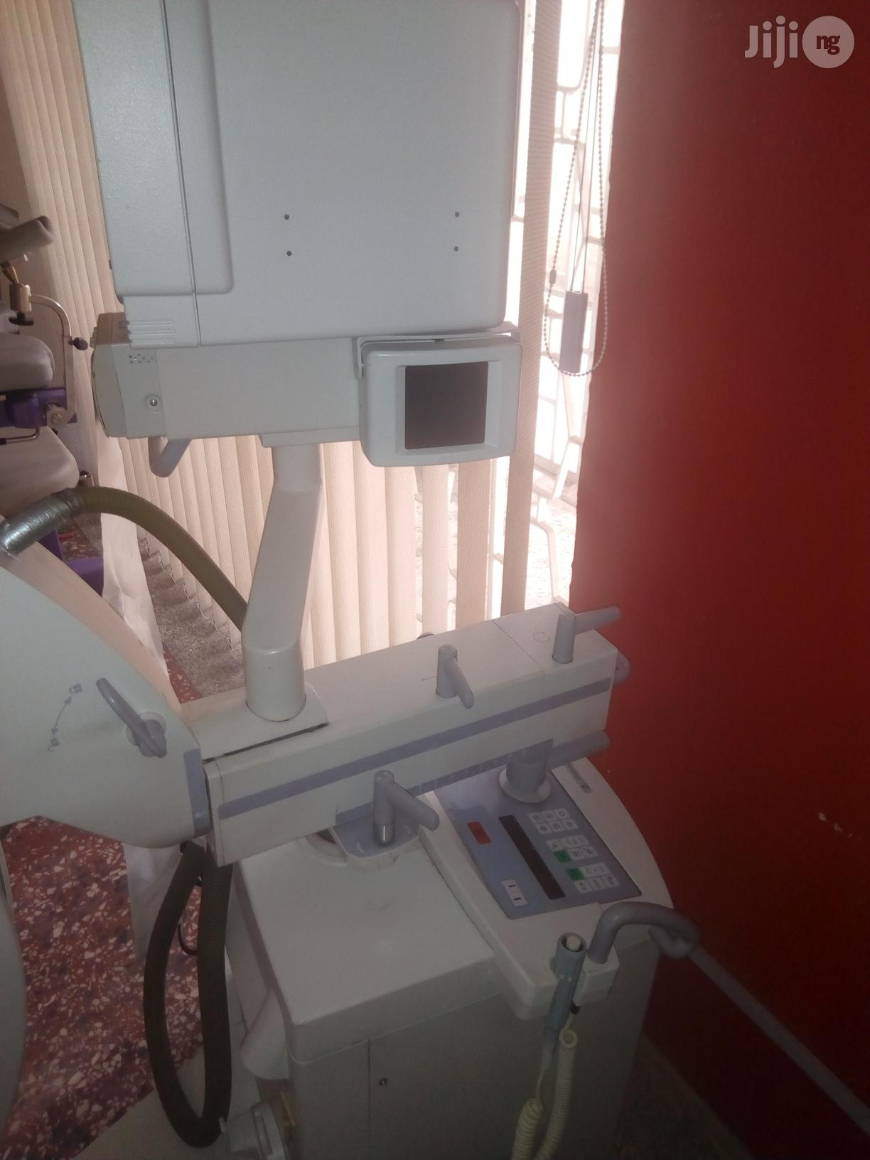 Archive: Compaq OEC 7700 X-ray At The Doctors Toy Store