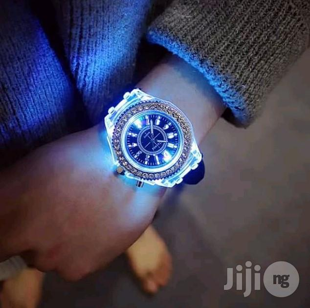 Hublot Geneve Wristwatch With Rubber Strap Available | Watches for sale in Lagos Island, Lagos State, Nigeria