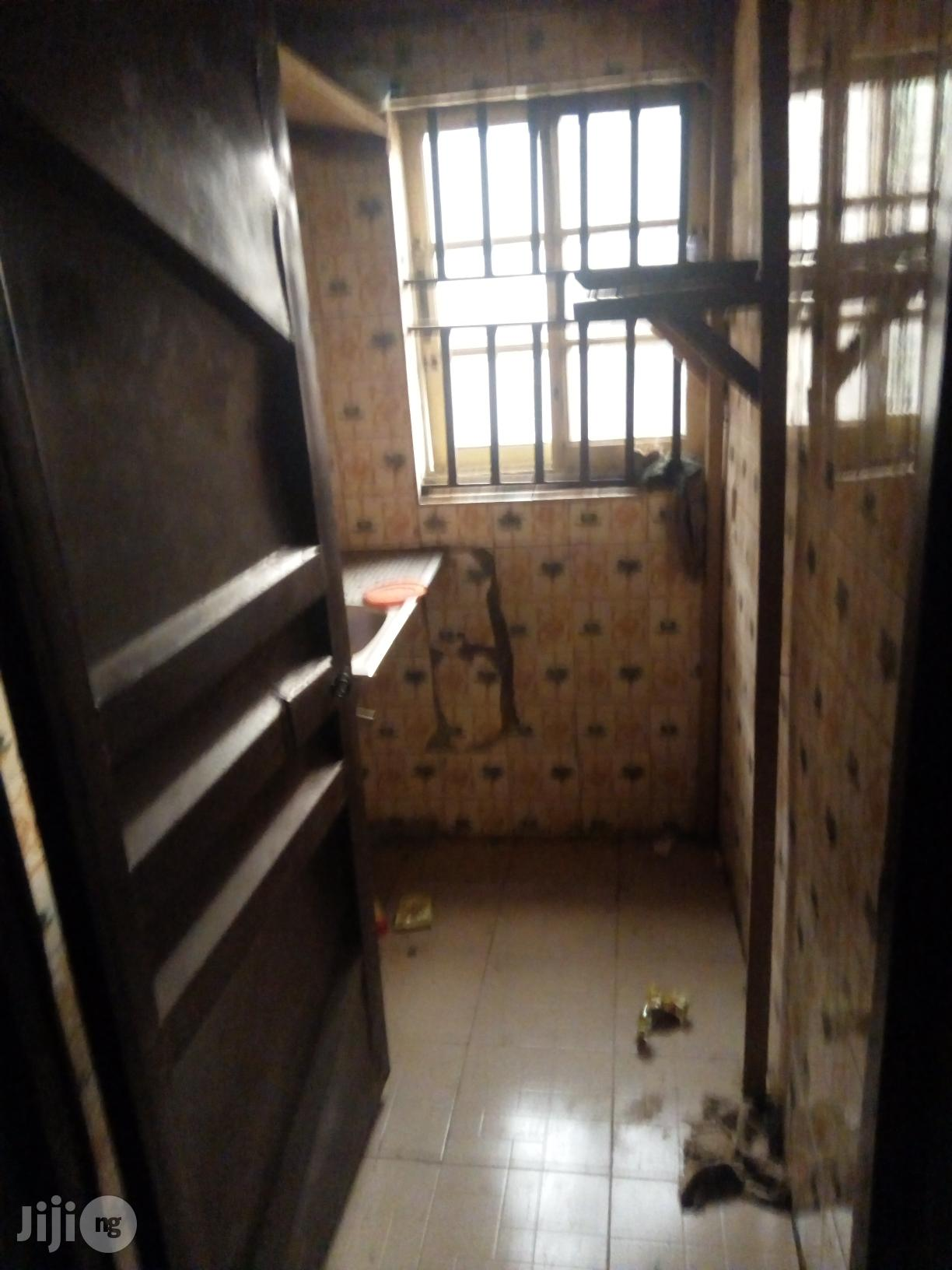 Selfcontain to Let at Regina | Houses & Apartments For Rent for sale in Awka, Anambra State, Nigeria