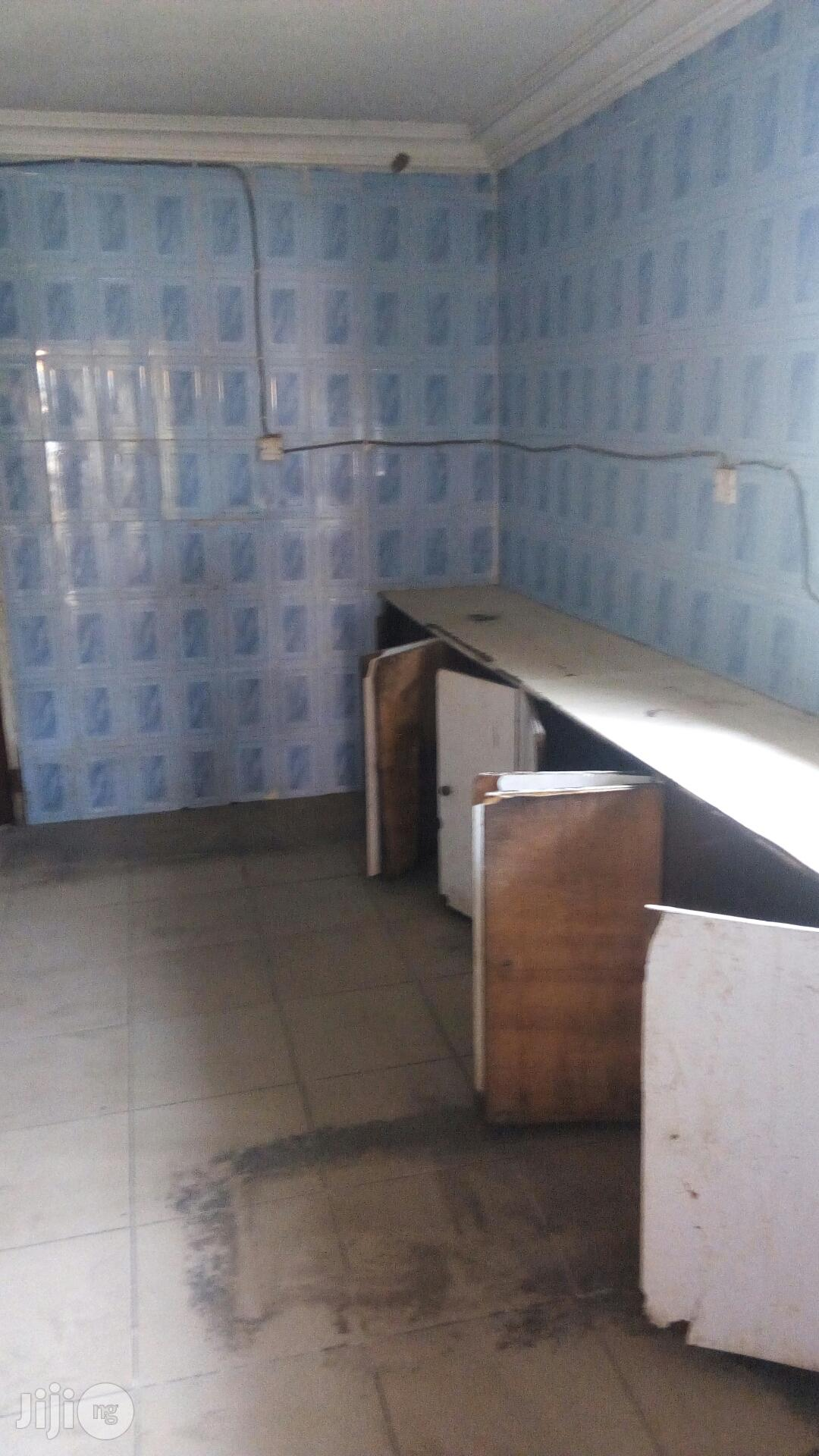 5 Bedroom Duplex With 3 Room Bq For Lease For Commercial Use