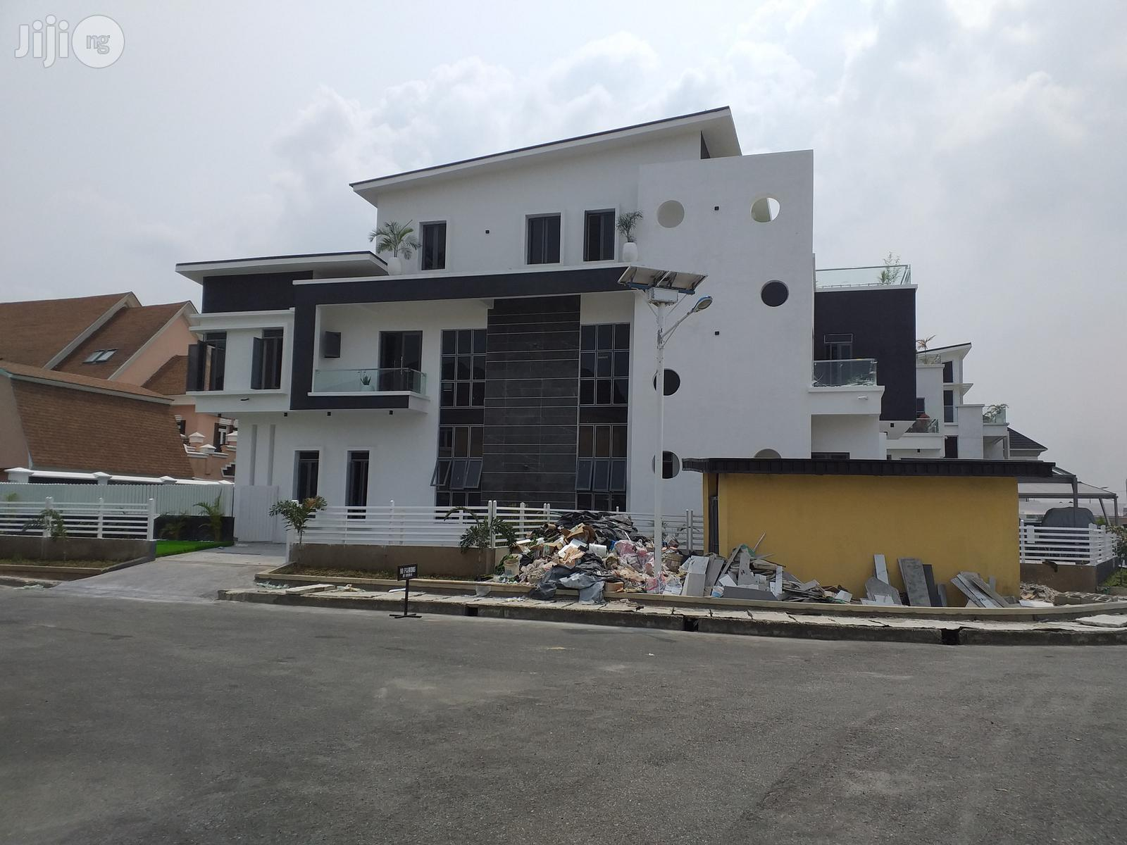 New & Spacious 5 Bedroom Detached Mansion At Osapa Lekki For Sale.