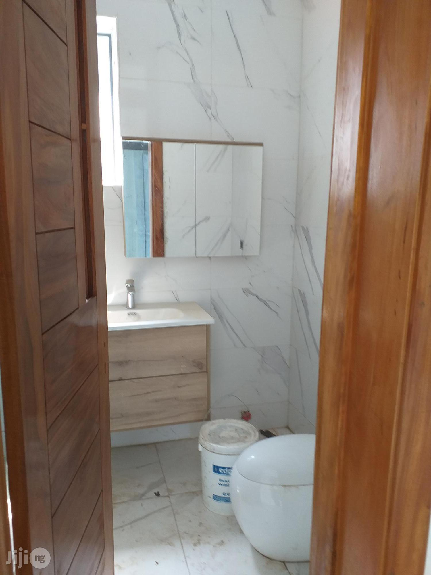 New & Spacious 5 Bedroom Detached Mansion At Osapa Lekki For Sale. | Houses & Apartments For Sale for sale in Lekki, Lagos State, Nigeria
