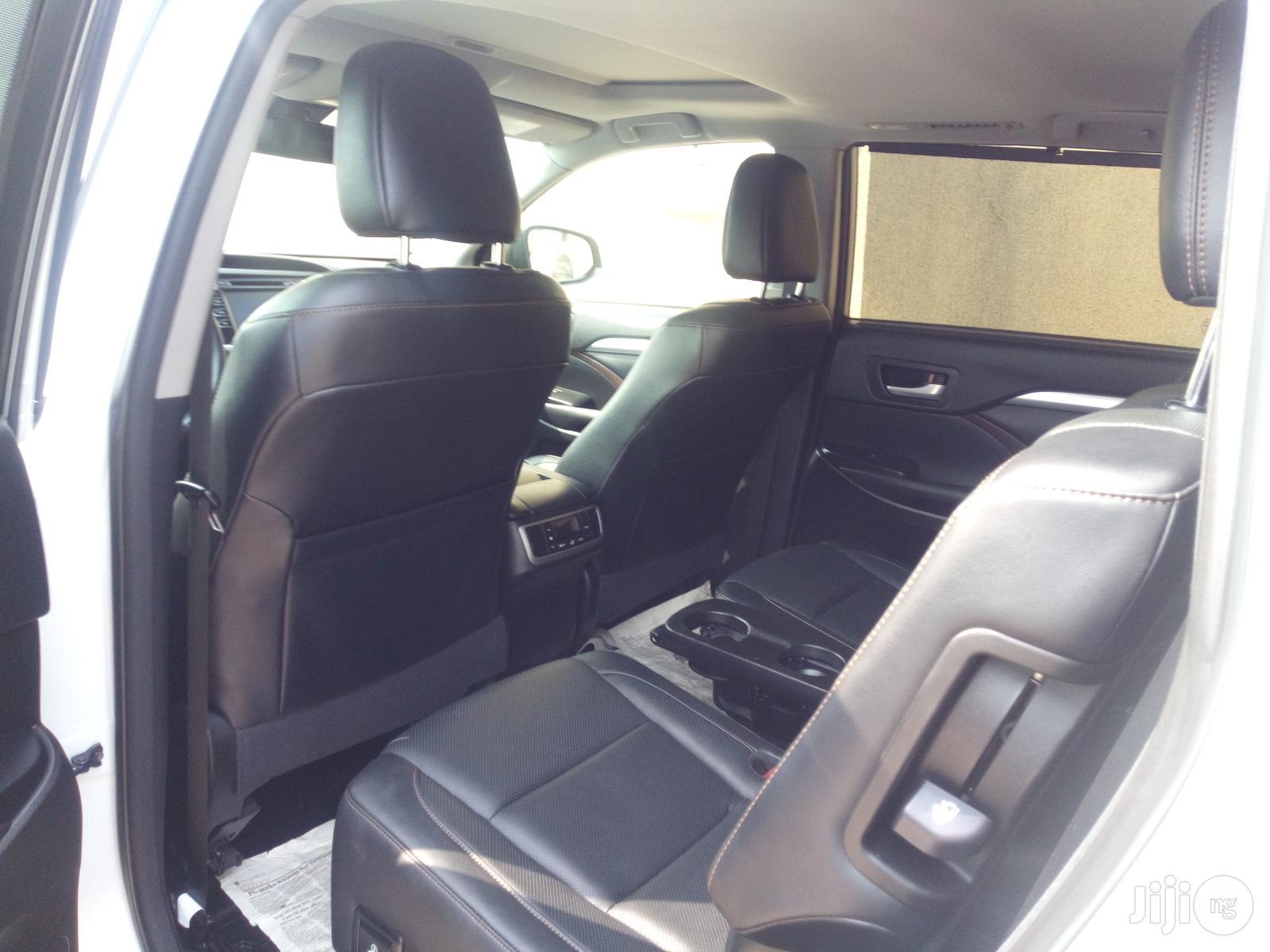 Toyota Highlander 2017 White | Cars for sale in Apapa, Lagos State, Nigeria