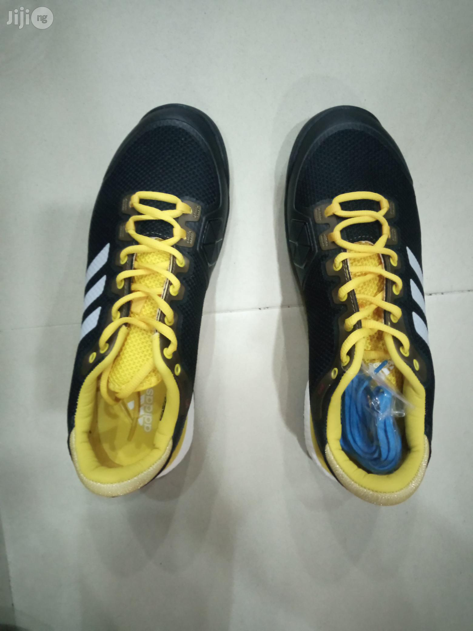 Addidas Lawn Tennis Canvas   Shoes for sale in Surulere, Lagos State, Nigeria