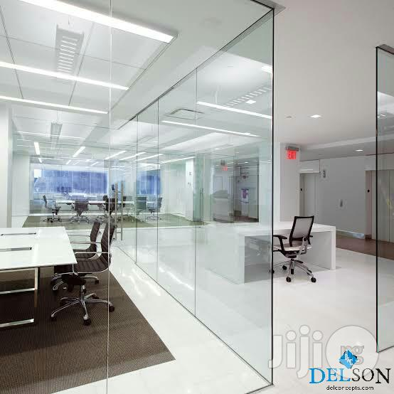 Archive: Frameless Office Partitioning