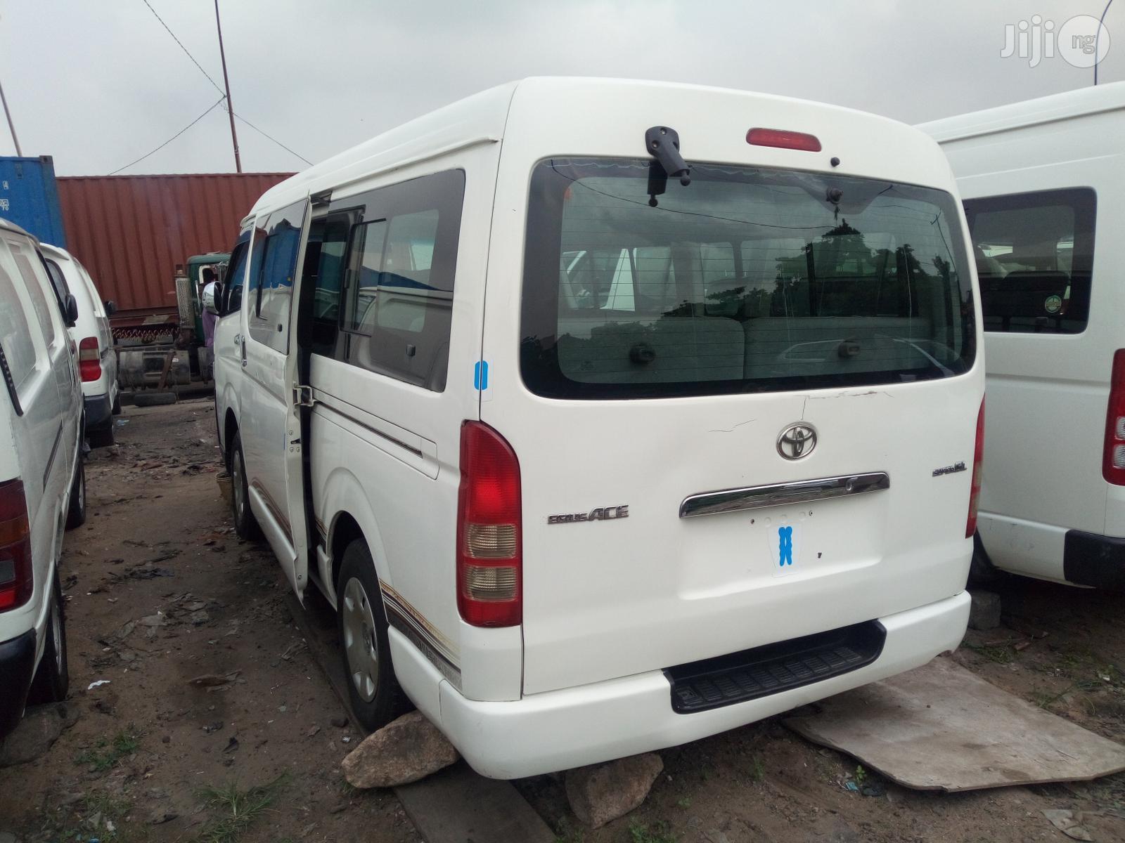 Toyota HiAce 2012 White   Buses & Microbuses for sale in Apapa, Lagos State, Nigeria