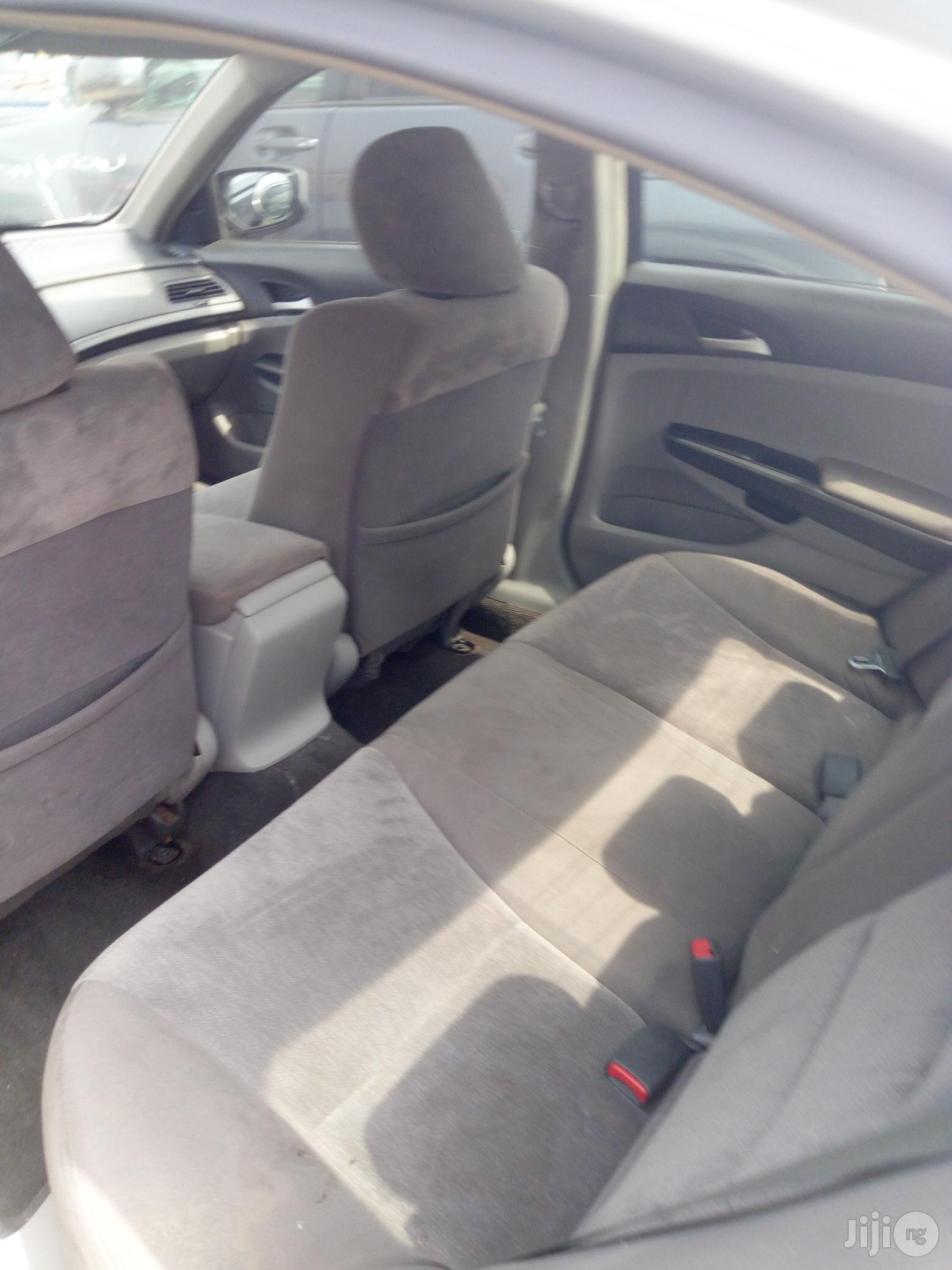 Archive: Honda Accord 2010 Sedan EX Automatic Silver