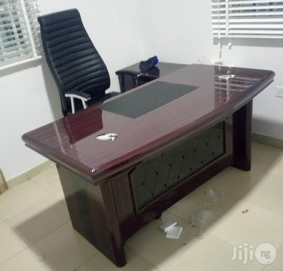High Quality 1.6m Executive Table With Cable Coles
