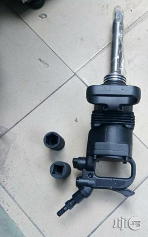 """Air Impact Wranch 1"""" With Socket Inside 