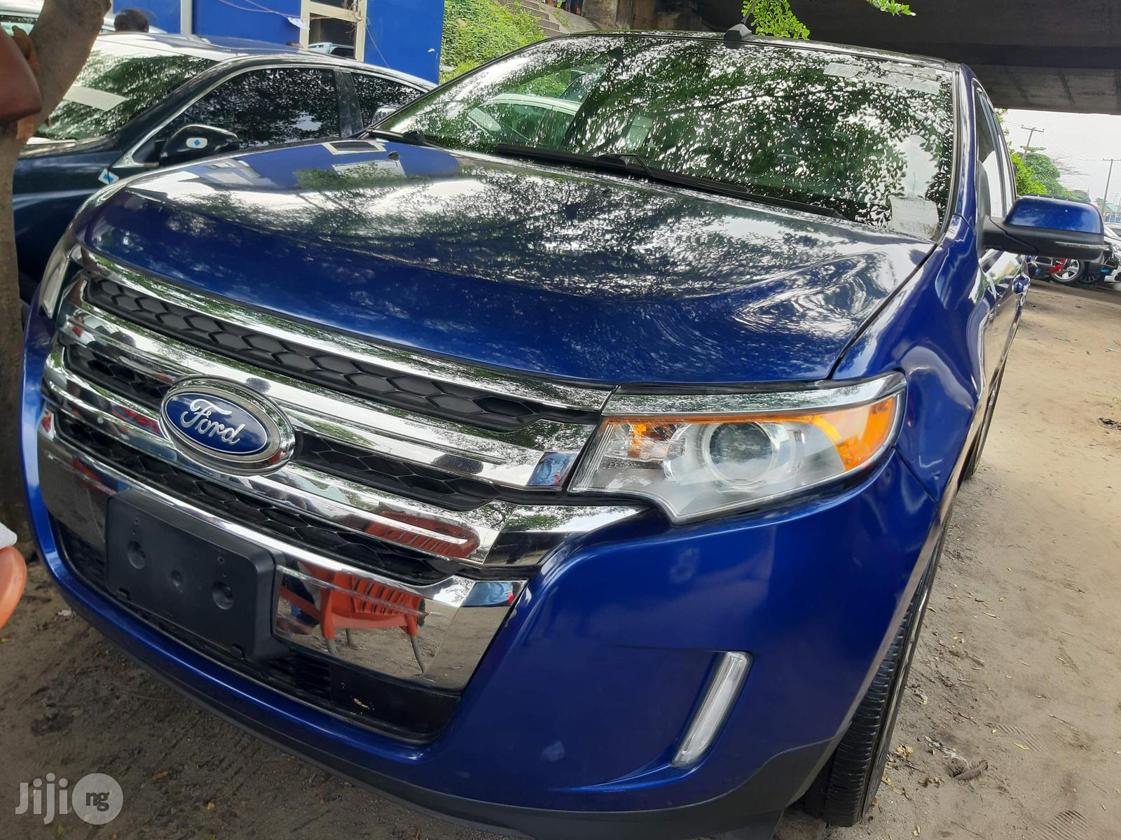 Archive: Ford Edge 2012 Blue