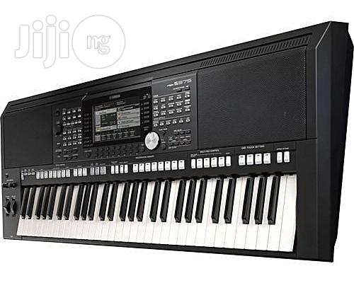 Yamaha PSR-S975 Arranger Workstation Keyboard With Power Adaptor + FREE HEADSET | Musical Instruments & Gear for sale in Port-Harcourt, Rivers State, Nigeria