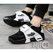 Fashion Unisex Leisure Sport Lace Up Sneaker - Black and White   Shoes for sale in Oyo State, Ibadan