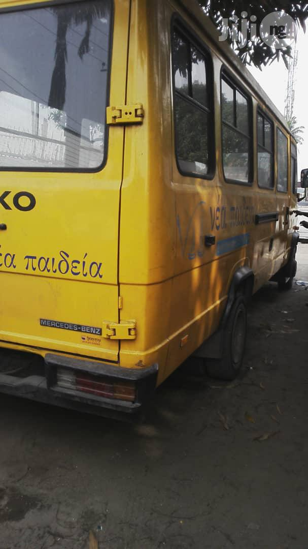 Mercedes Benz 609 2003 Yellow Bus With Factory Chair