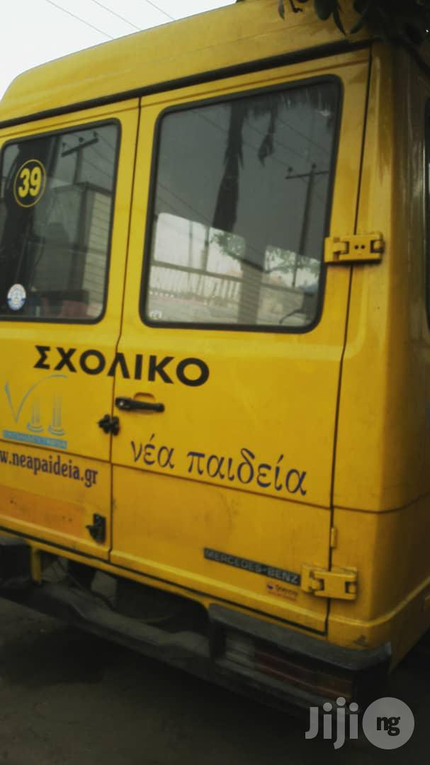 Mercedes Benz 609 2003 Yellow Bus With Factory Chair | Buses & Microbuses for sale in Apapa, Lagos State, Nigeria