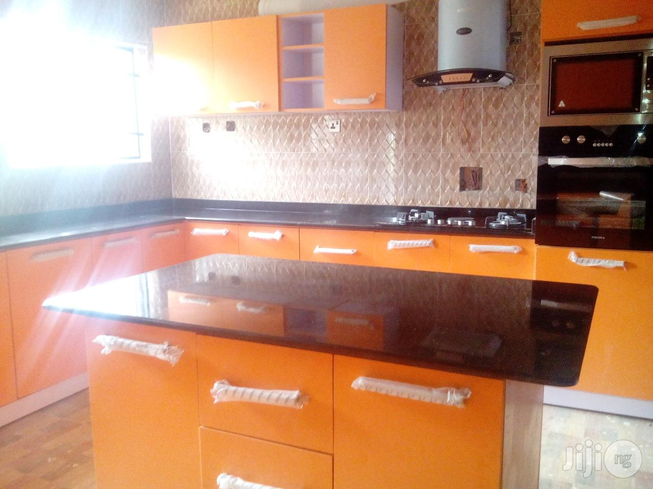 Quality Kitchen Cabinet