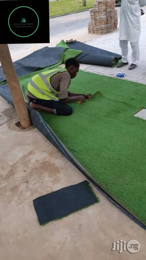 High Quality Artificial Grass For Indoor/Outdoor Use. | Garden for sale in Abuja (FCT) State, Wuse