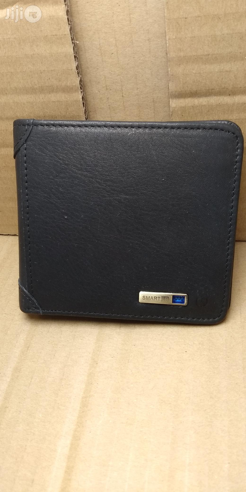 Luxury Wallet Smart Wallet Bluetooth Anti-lost Wallet | Bags for sale in Oshodi, Lagos State, Nigeria