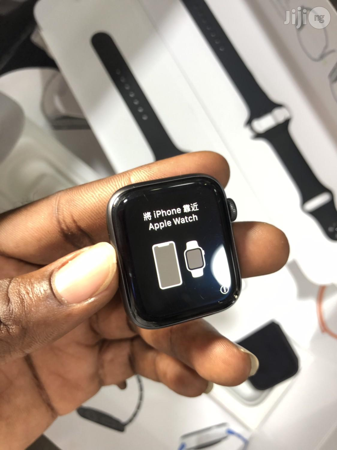 "New Apple Watch Series ""4"" 