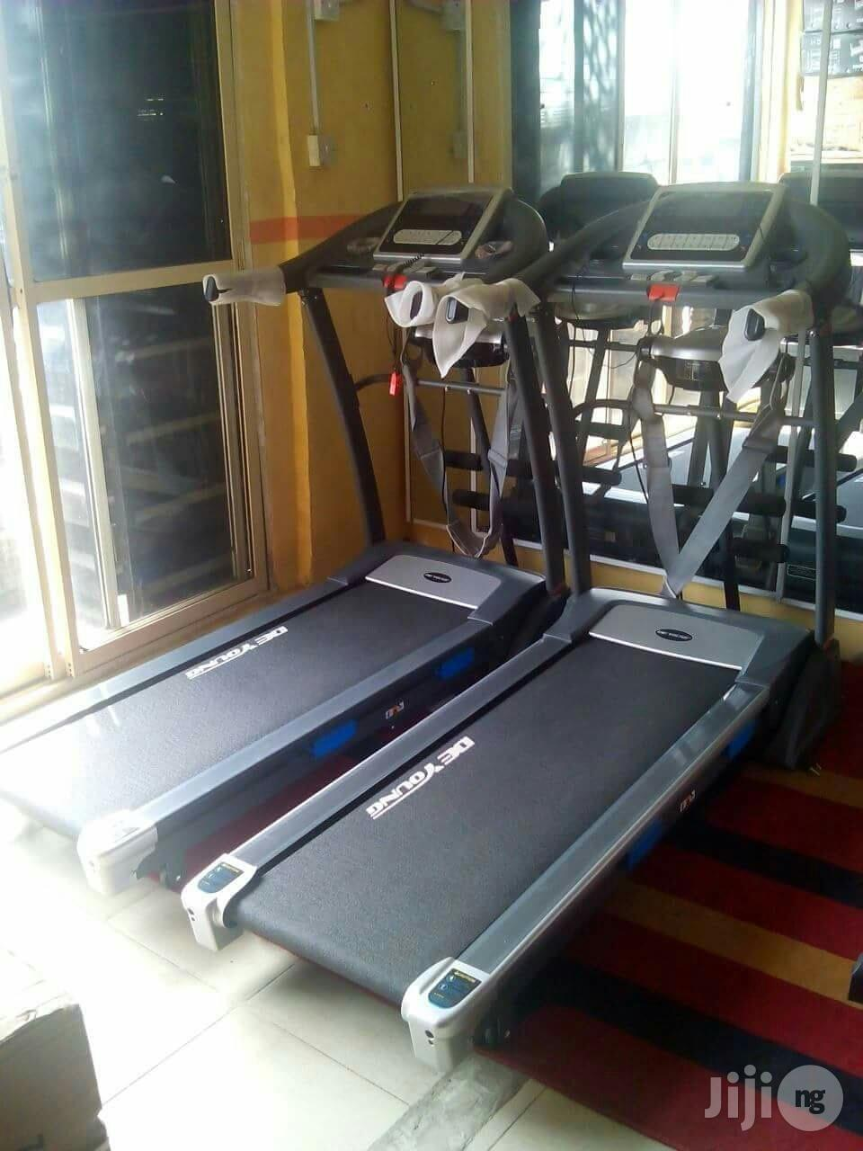 Brand New Imported American DE Young Treadmill 2.5HP With Massager