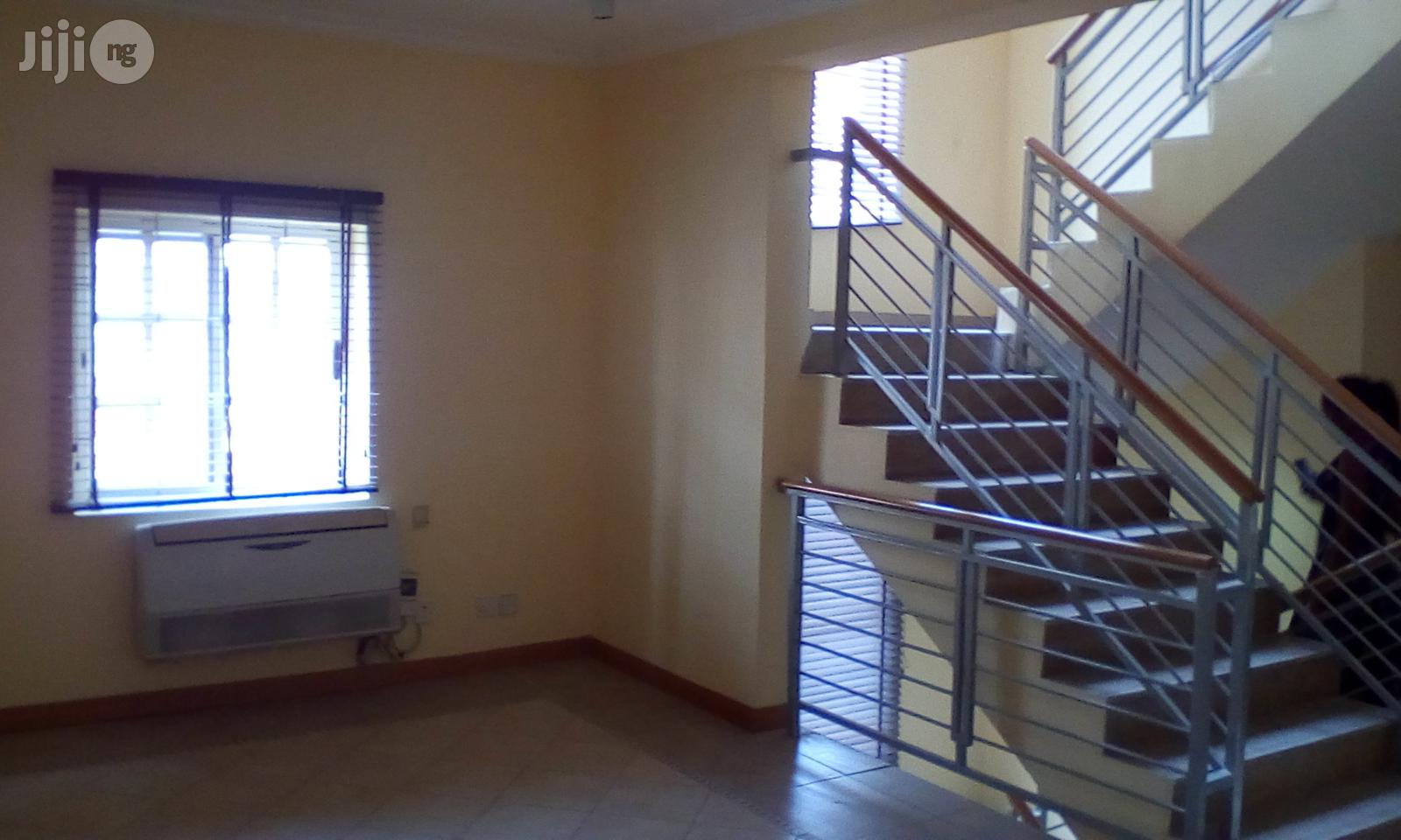 Archive: 5 Bedroom Town House to Let at Banana Island