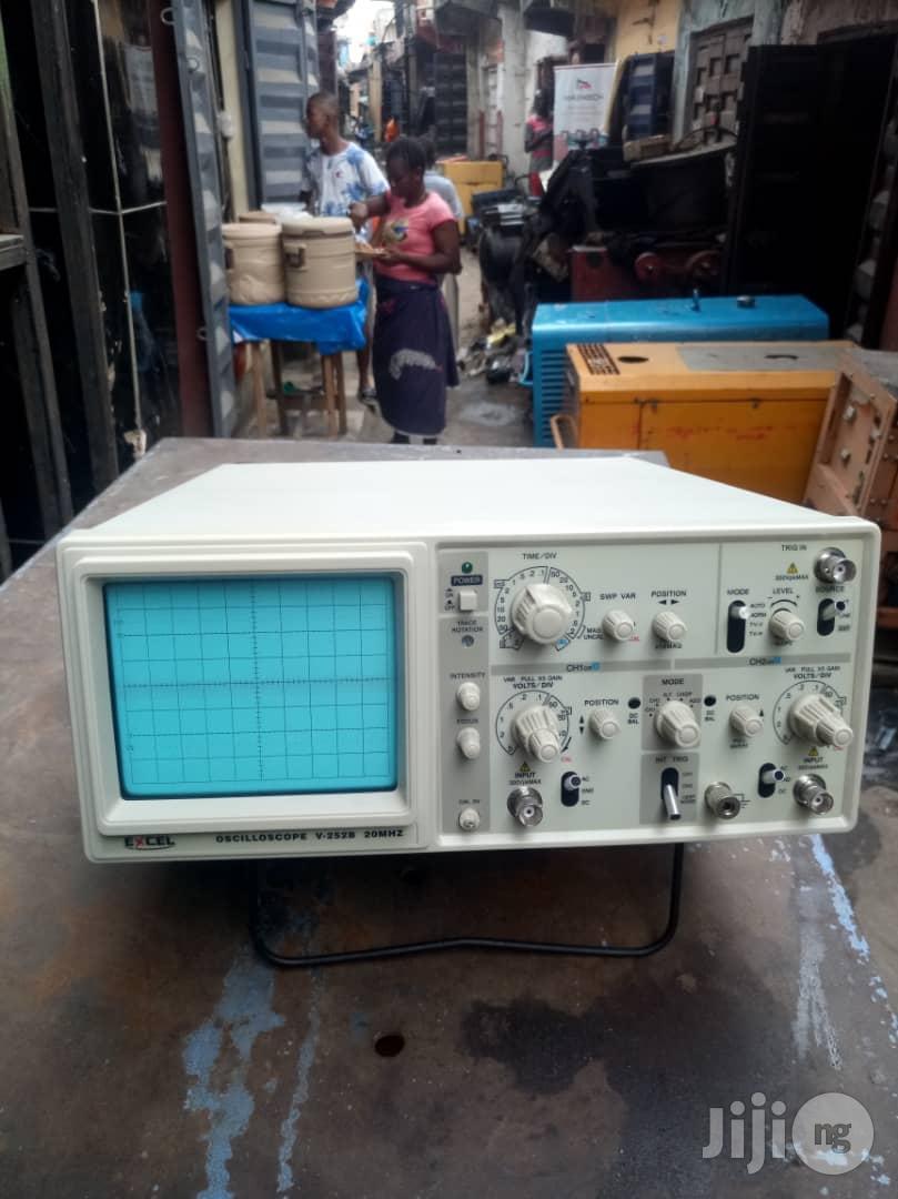 Dual Trace Analogue Oscilloscope 20mhz