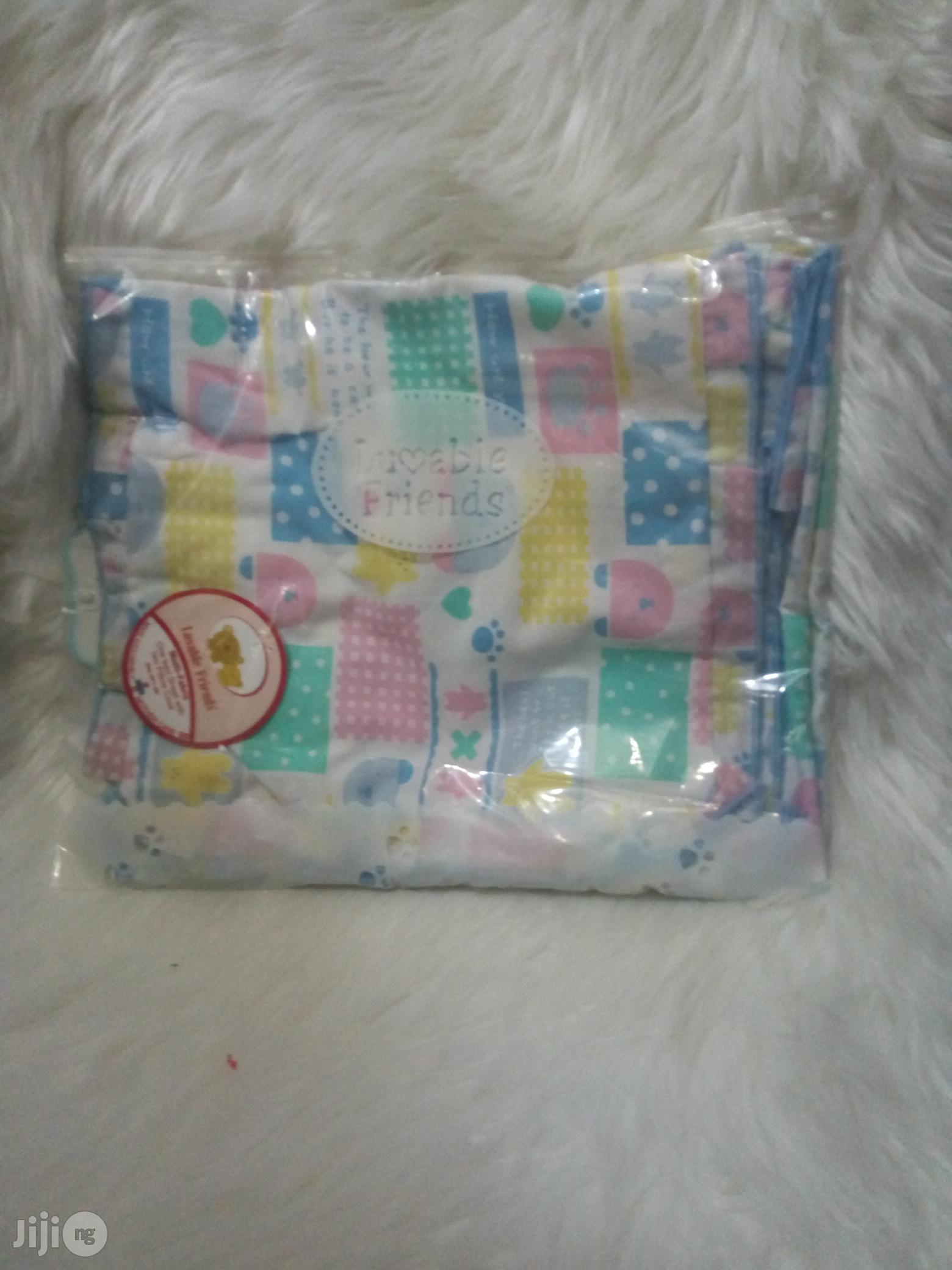 Luvable Friends Infant Bedsheet