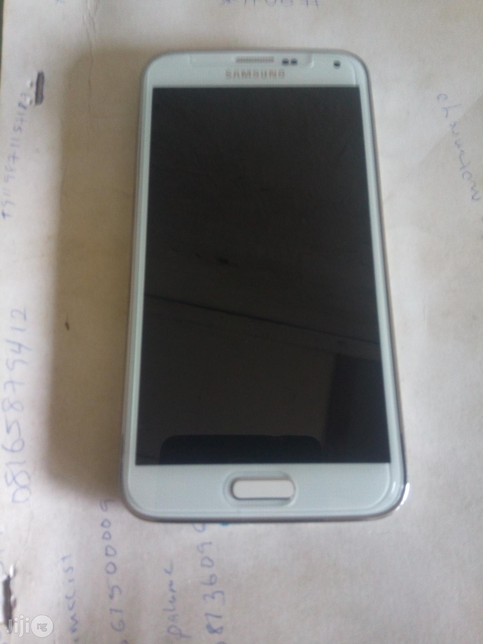Original Samsung Galaxy S5 Black 32 GB