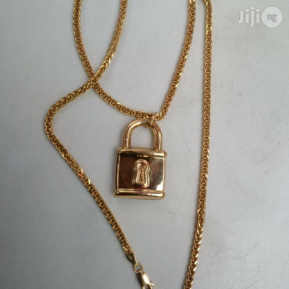 Pure ITALY 750 Solid 18krt Gold Block Twist Wit Padluck