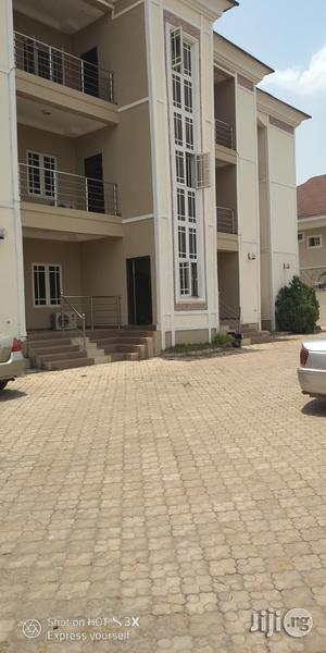 Sharp and Serviced 3bedrooms Flat in Wuye. | Houses & Apartments For Rent for sale in Abuja (FCT) State, Durumi