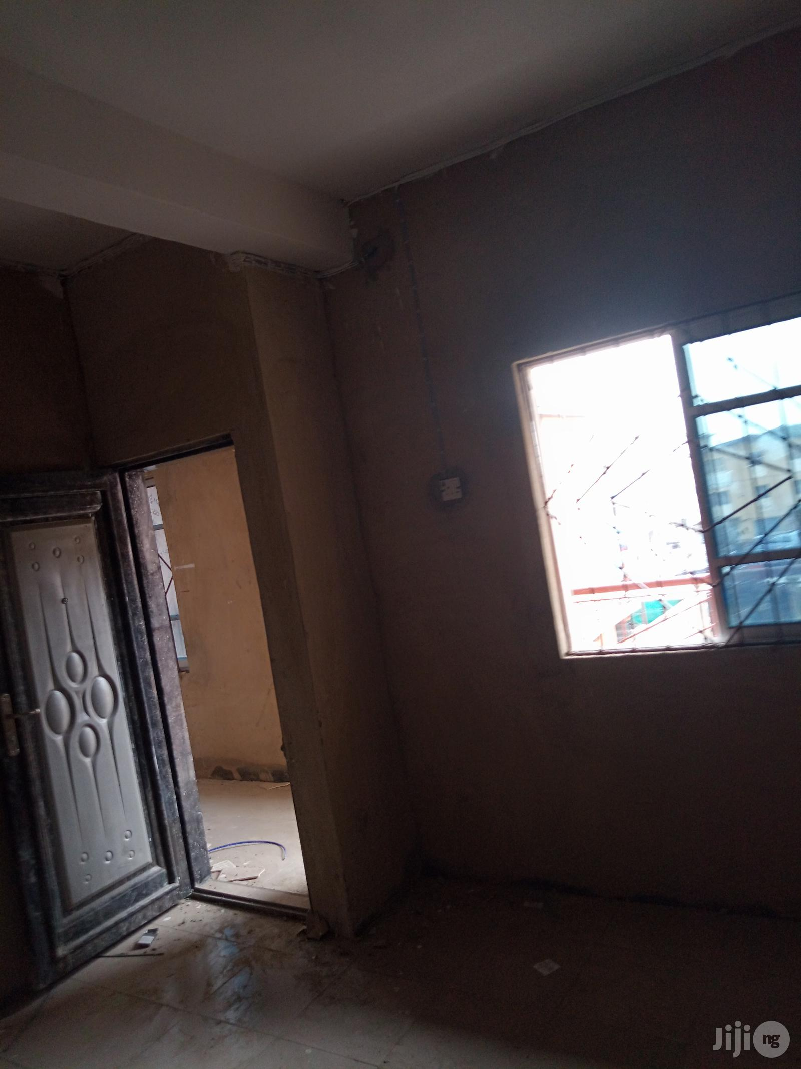 Spacious Nice 2bedroom for Rent at Idi-Oro Mushin. | Houses & Apartments For Rent for sale in Mushin, Lagos State, Nigeria