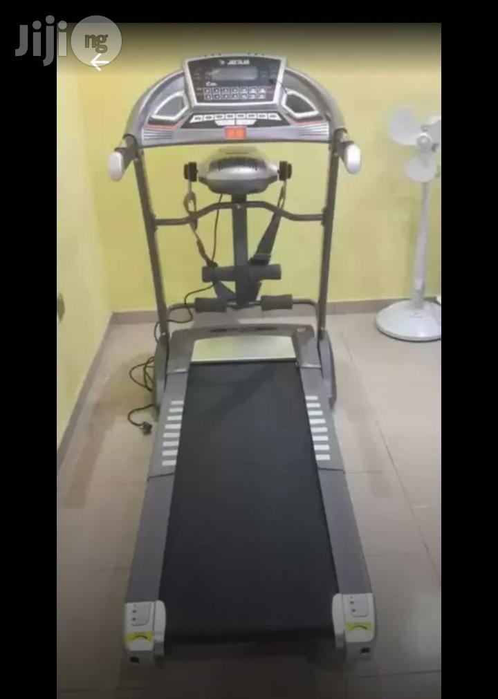 American Fitness 2.5hp Treadmill With Massager and Incline