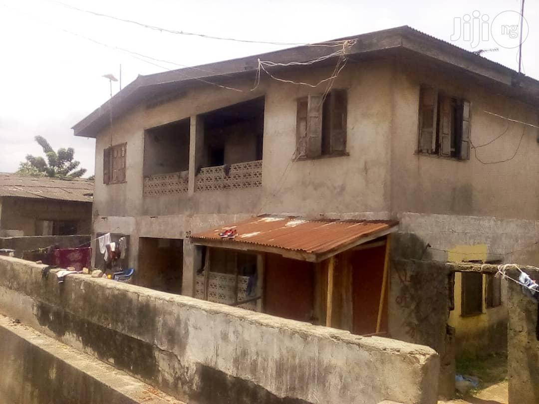 Demolishable Tenement Building at Shogunle, OSHODI Lagos for Sale.