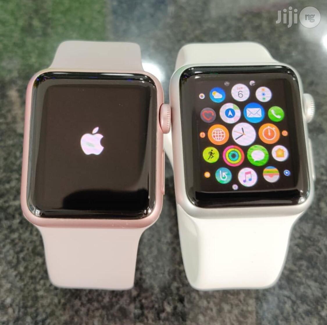 U.K Used Apple Watch Series 2