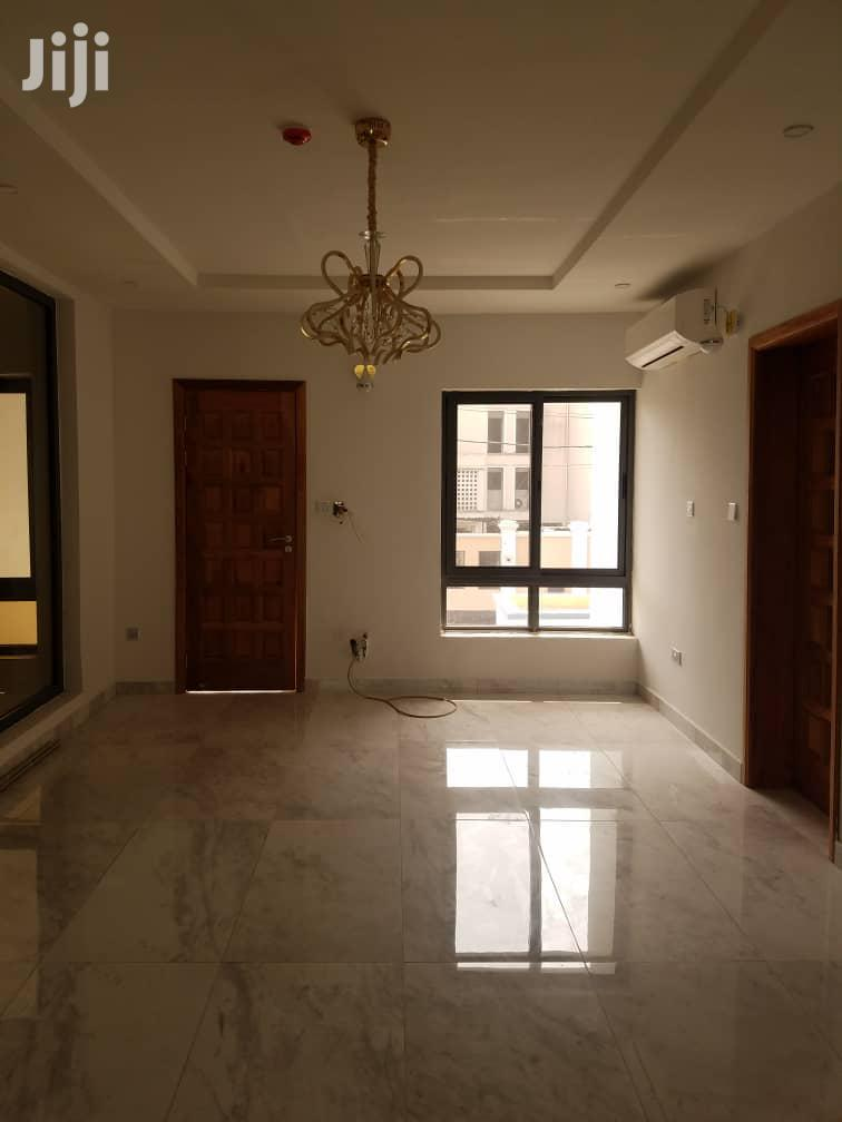 Archive: Clean & Spacious 5 Bedroom Duplex + BQ For Sale At Ikoyi.