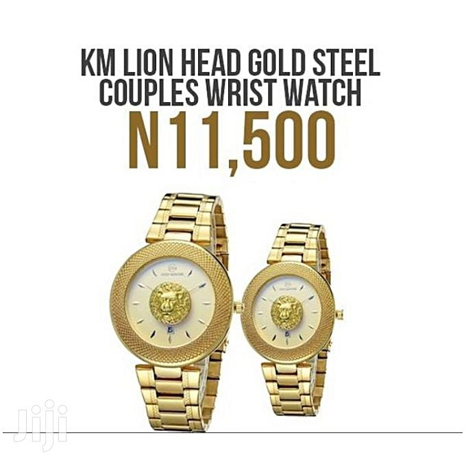 Keep Moving Gold Platted Chain Couple Wristwatch With Case