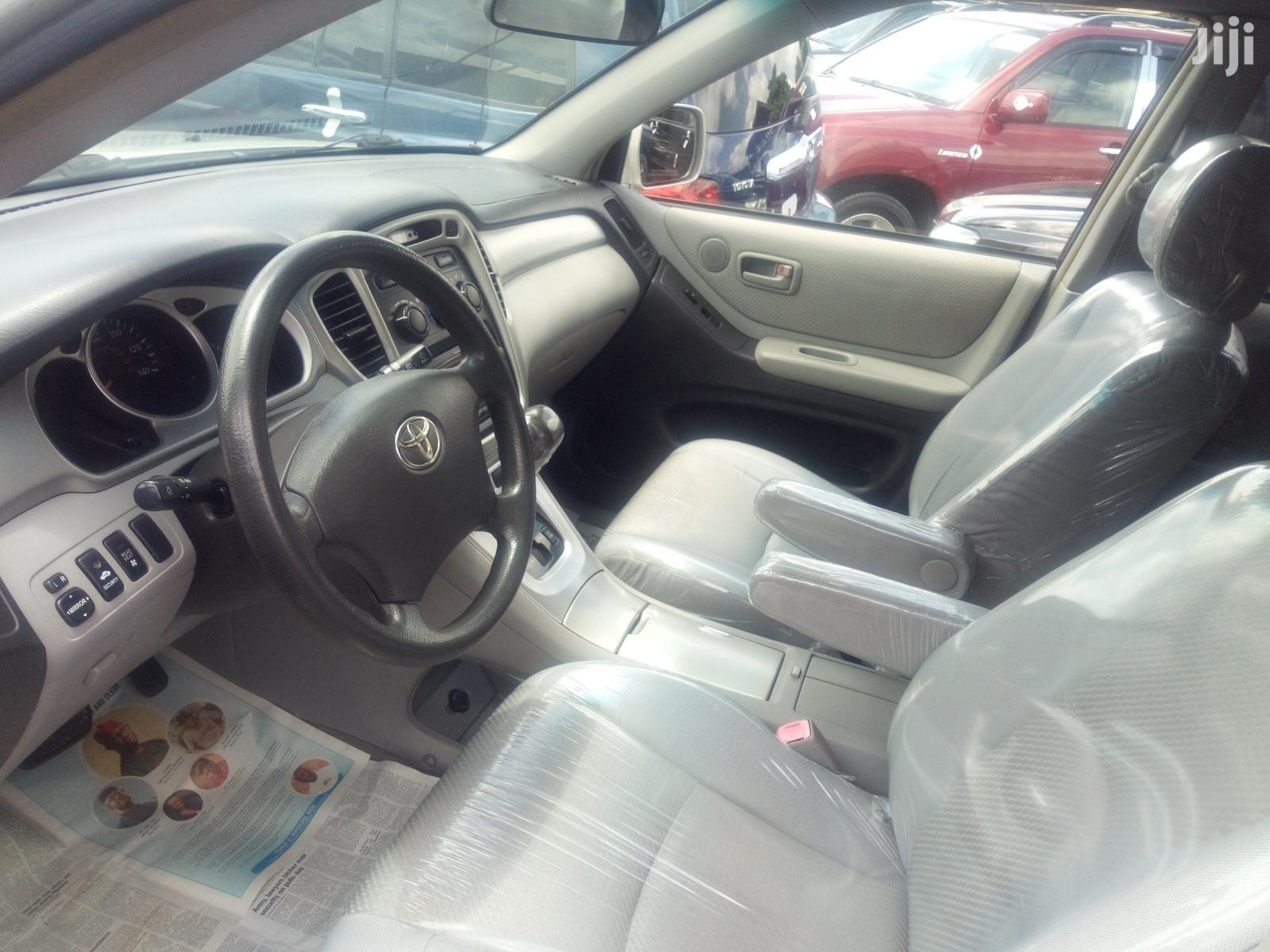 Toyota Highlander 2004 Silver   Cars for sale in Apapa, Lagos State, Nigeria